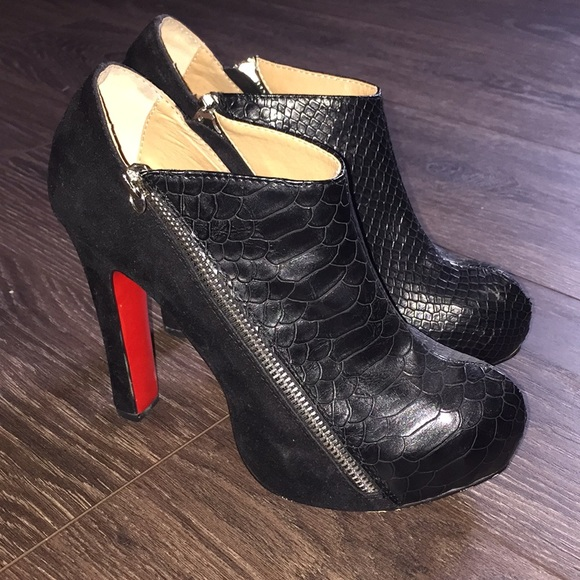 finest selection 08ad0 4e853 Black louboutin bootie heels